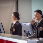 Qual a importância de uma Recepcionista Terceirizada nos processos de Segurança Empresarial?